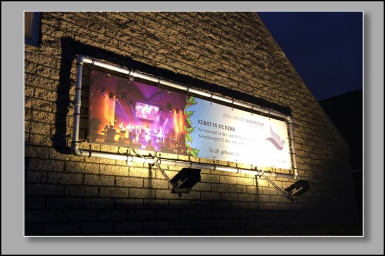 600x900 gevel banner Kerk van de Nazarener, Zaandam