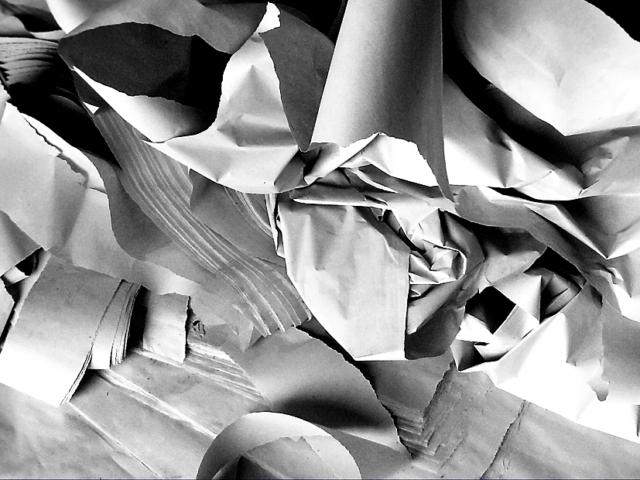 1100x620px Paper trash